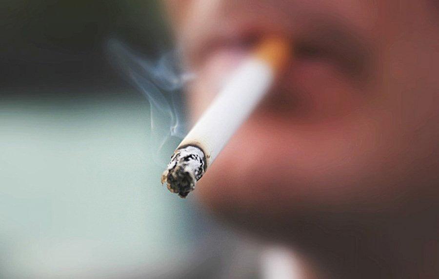 40% e shqiptarëve janë duhanpirës