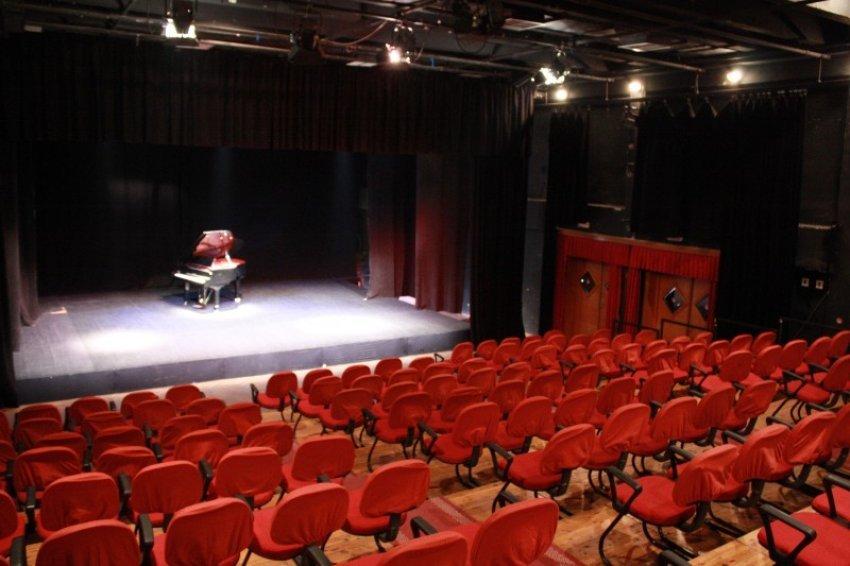 Fillon Teatri i Ri i Hapur, 18 shfaqje deri më 28 shtator