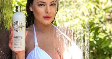 Në dush me Kelly Brook (FOTO)