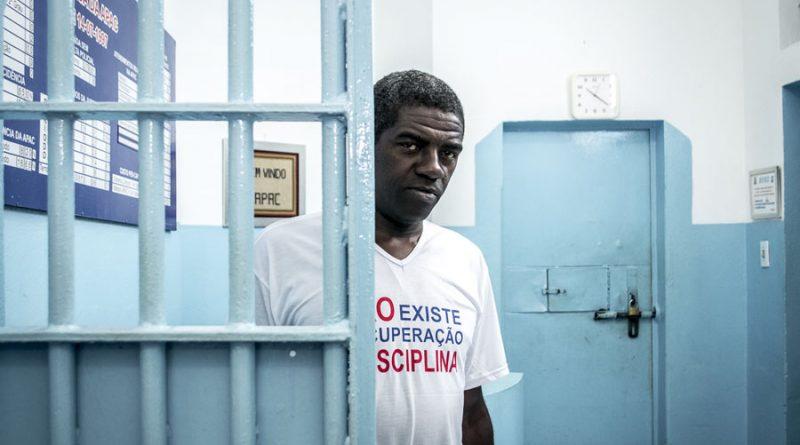 Burgu pa gardianë apo armë (FOTO)