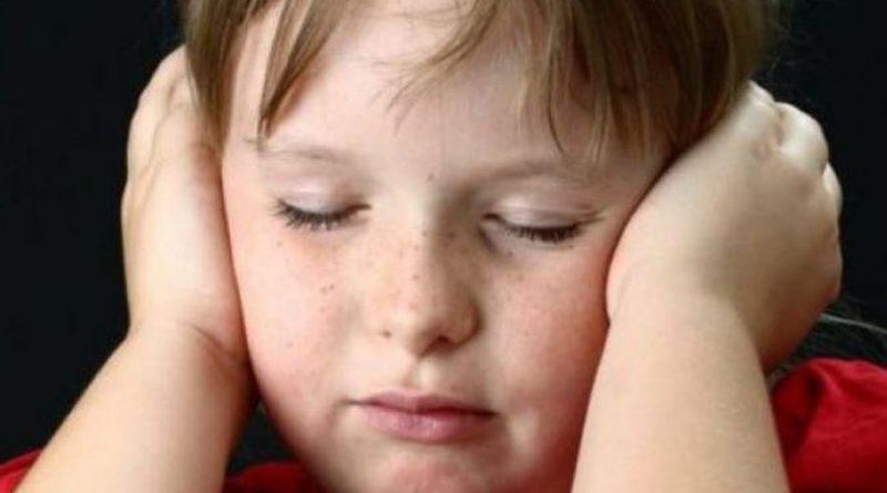 1 në 12 fëmijë dëgjon zëra