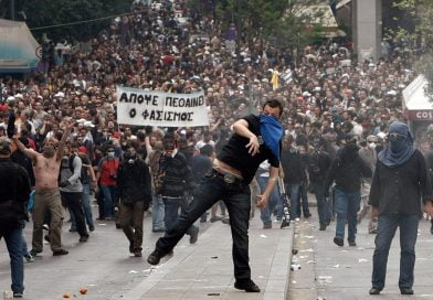 Incidente, të lënduar dhe gaz lotsjellës në protestat në Psarades