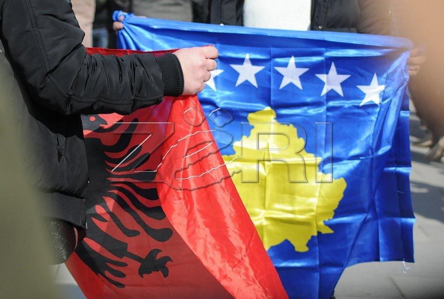 profesori-kosovar-mbi-60-e-prejardhjes-gjenetike-e-shqiptareve-eshte-e-perafert-me-serbet