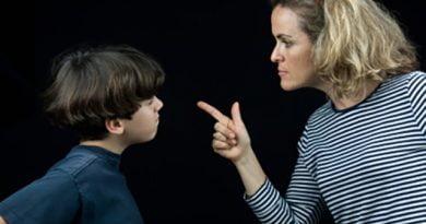 """""""Si nuk i ngjave një çikë motrës?"""" 8 frazat që prindërit duhet t'i zhdukin"""
