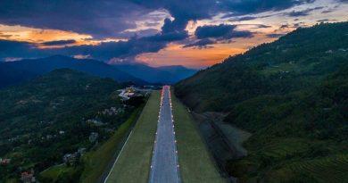 """Hapet aeroporti i 100-të i Indisë, cilësohet """"mrekulli inxhinierike"""""""