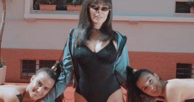 Greta Koçi publikon klipin e ri, shfaqet për herë të parë me bikini