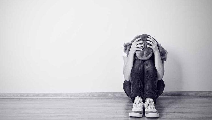 Numri i adoleshentëve të prekur nga depresioni në rritje, një seancë te psikologu mund të bëjë ndryshimin!