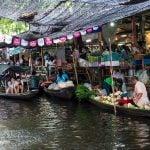 """Tajlandë, """"pazaret lundruese"""" tërheqin interesin e turistëve (FOTO)"""