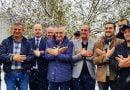 Meta viziton shqiptarët në Mexhitli të Manastirit, bën shqiponjën