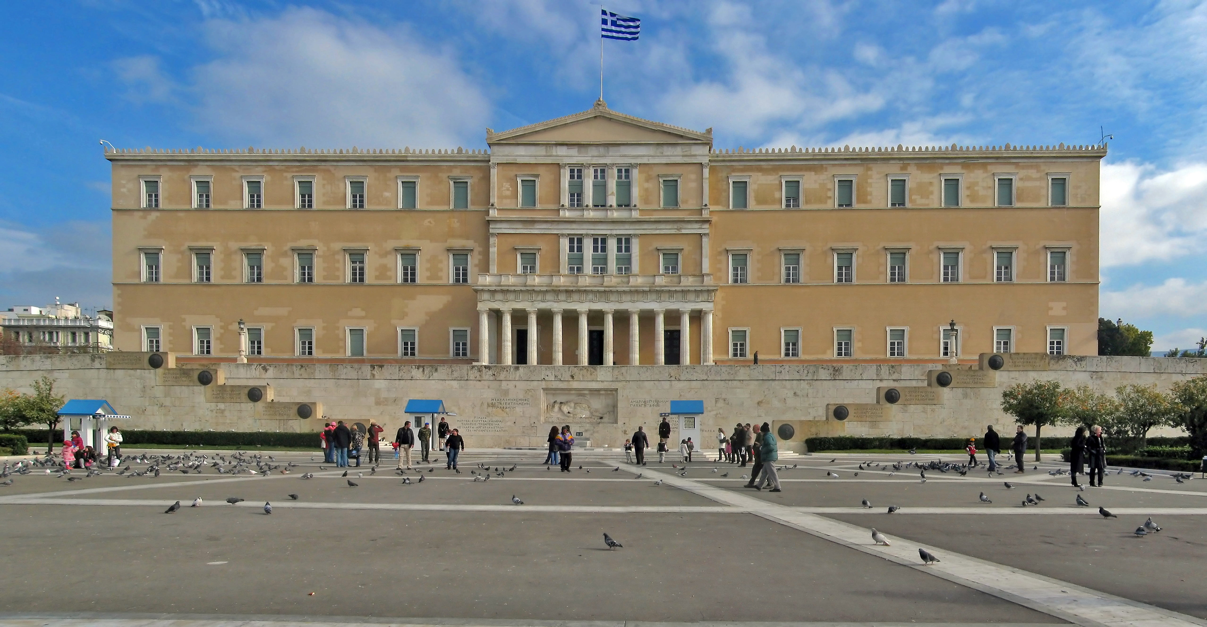 perseri-numer-i-madh-i-te-vdekurve-dhe-te-infektuarve-te-rinj-ne-greqi