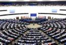 PE kërkon hapjen e negociatave me Shkupin dhe Tiranën në mars