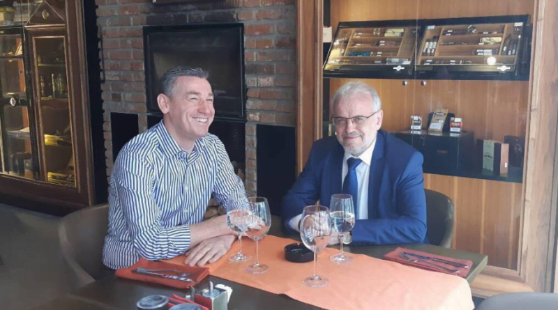 Veseli në Shkup, takohet me Talat Xhaferin