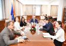 Xhaferi takoi përfaqësuesit e Projektit për praktikë parlamentare, Lindje – Perëndim