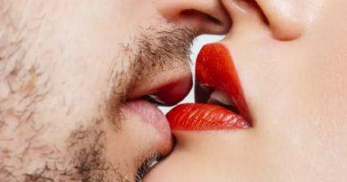 Shtetet që dënonin me vdekje puthjen në publik