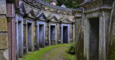 Quhen 'Varreza të gëzueshme', dhe kanë një histori interesante mbrapa