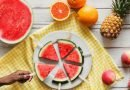 Ushqimet që ju mbajnë të hidratuar gjatë ditëve të nxehta