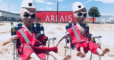 """1.5 milionë njerëz të gatshëm për ta """"pushtuar"""" zonën ushtarake amerikane ku mendohet se mbahen alienët"""