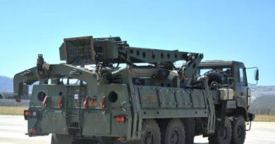 Turqia pranon dërgesa të reja të sistemit rus S-400