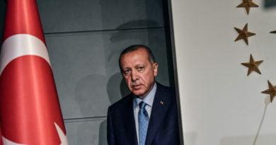 Nga fëmijëria deri të majat e pushtetit, si ka ndryshuar Erdogani ndër vite (FOTO)