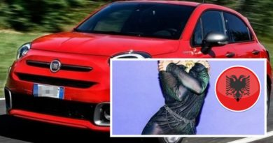 Këngëtarja shqiptare imazh i 'Fiat' [FOTO]