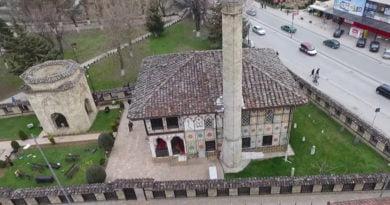 """Xhamia e Pashës dhe teqeja """"Arabati Baba"""", potenciale turistike të pa valorizuara"""