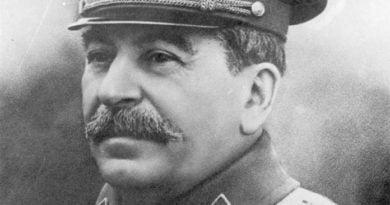 """""""Zëri i të fortëve"""": 1947, Dialogu në mes Stalinit dhe Kardelit për shqiptarët… STALINI: – Po si i keni punët me shqiptarët?"""