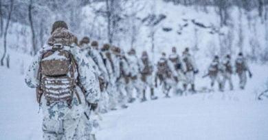 Konflikti me Iranin, por marinsat amerikanë stërviten në dëborën e Norvegjisë (FOTO)