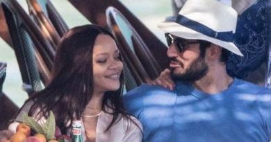 Rihanna ndahet nga i dashuri miliarder