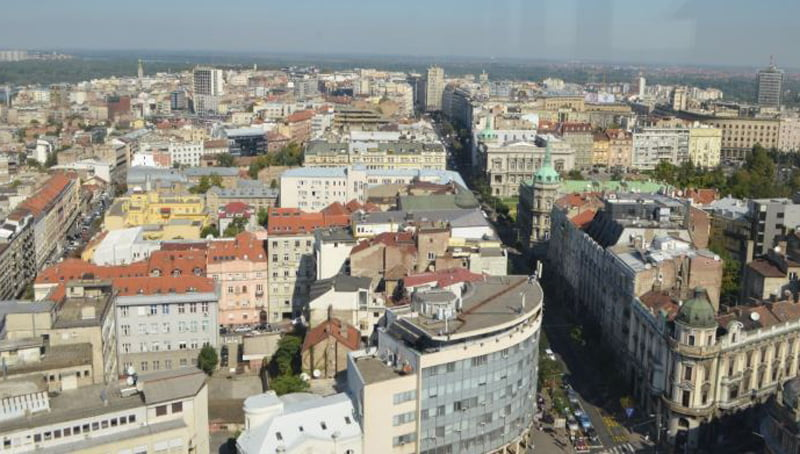 forca-te-shumta-policore-jane-sistemuar-rreth-nderteses-se-kuvendit-serb