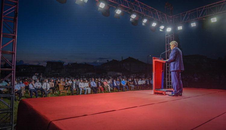 Ahmeti nga Ohri  Tregoni se kush jeni dhe sa vleni  me 15 të korrik të këndohet kënga e re