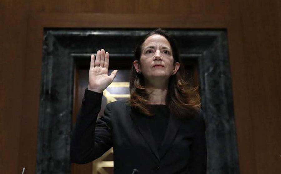 gruaja-qe-fluturon-kush-eshte-shefja-e-pare-e-te-gjitha-sherbimeve-sekrete-amerikane-foto